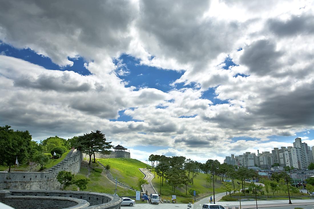 SuwonHwaseong01.jpg