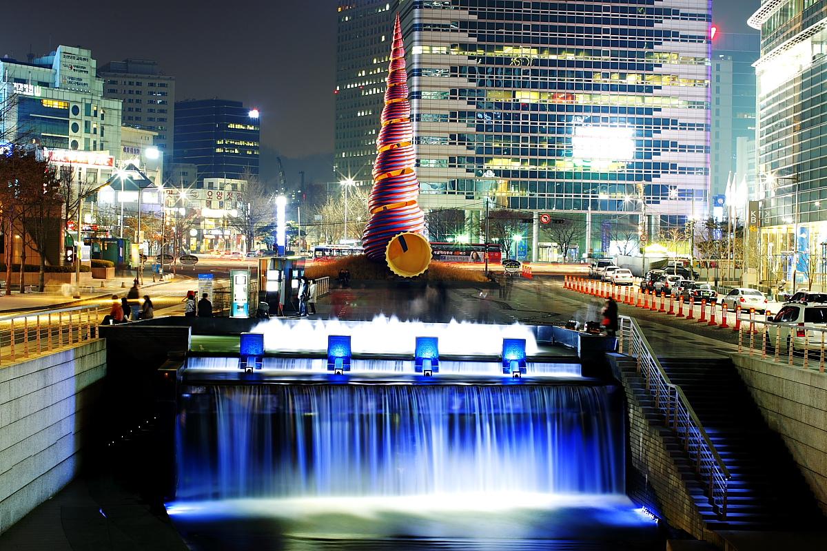 Cheonggyecheon02.jpg